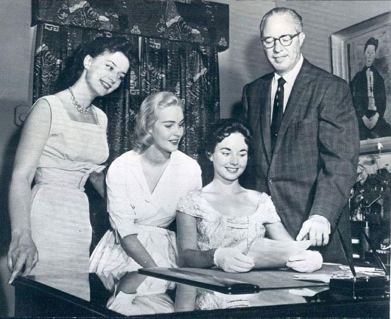 carol morris, miss universe 1956. - Página 2 Cm110