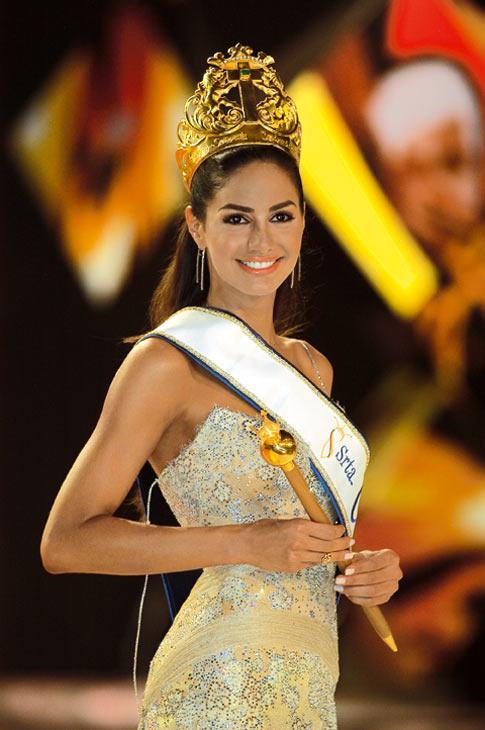 valerie dominguez, top 10 de miss universe 2006. Colomb13