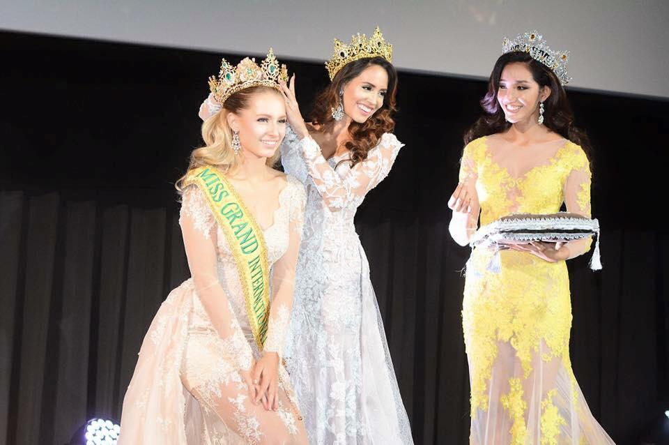 lees garcia, miss grand international 2014. - Página 2 Coroa-10