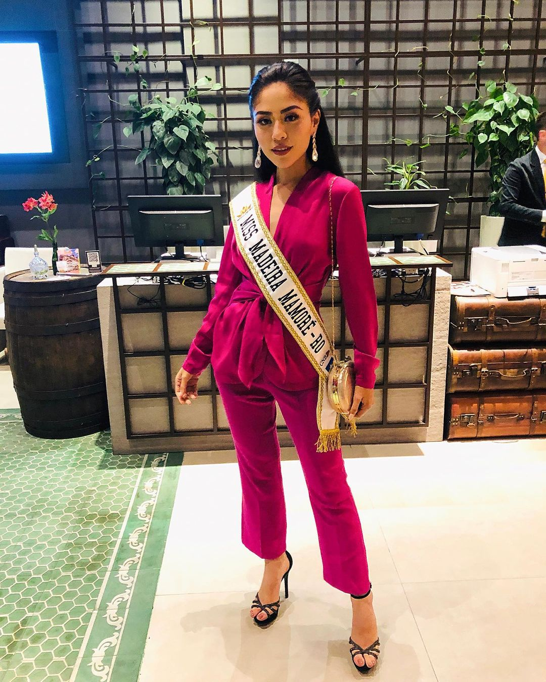 thaisi dias, miss madeira mamore mundo 2019. - Página 4 Dlgae10