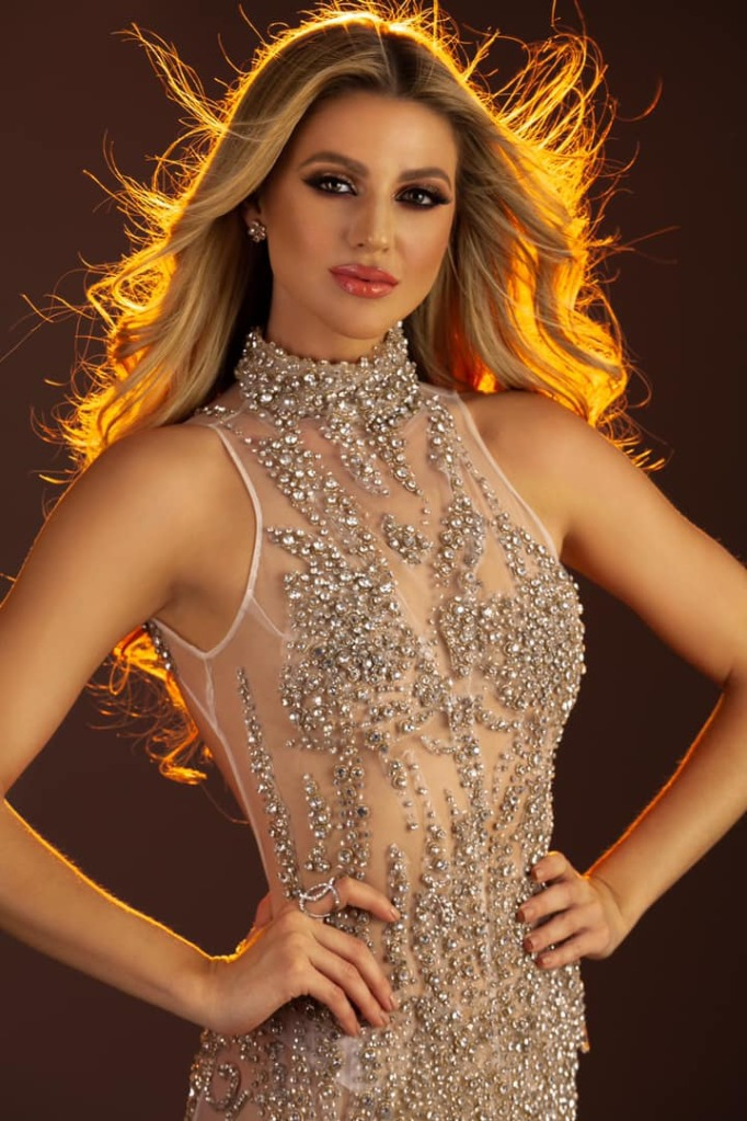 madison anderson, miss universe puerto rico 2019/top 4 de miss grand international 2016. - Página 11 Dnecuf10