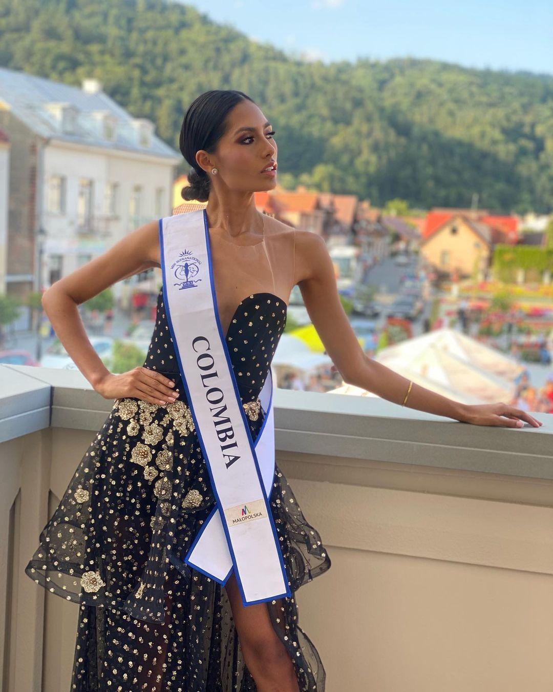 valentina aldana, miss supranational colombia 2021. - Página 7 Downl118