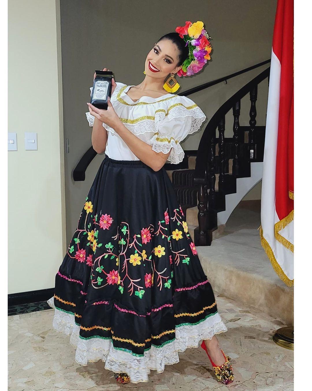 andrea aguilera, miss world colombia 2021. - Página 6 Downl219
