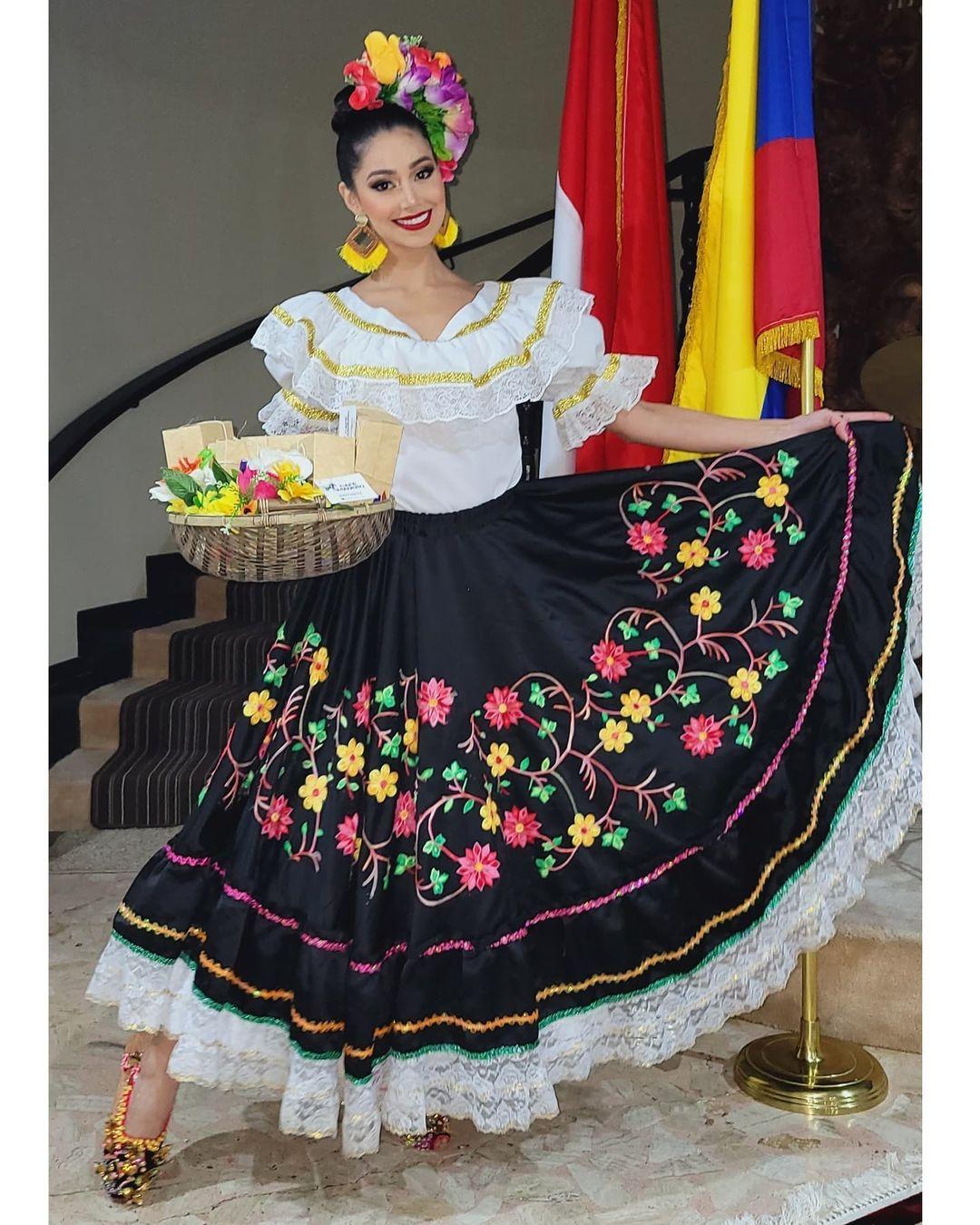 andrea aguilera, miss world colombia 2021. - Página 6 Downl221