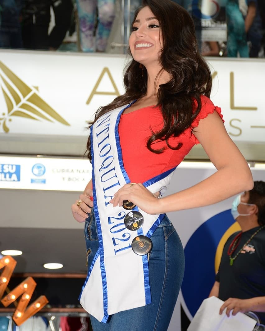 andrea aguilera, miss world colombia 2021. - Página 5 Downlo50