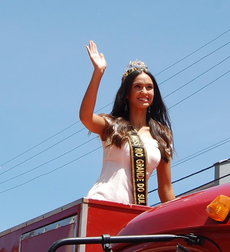 bianca scheren, miss charm brazil 2020. - Página 4 Dsc_0110