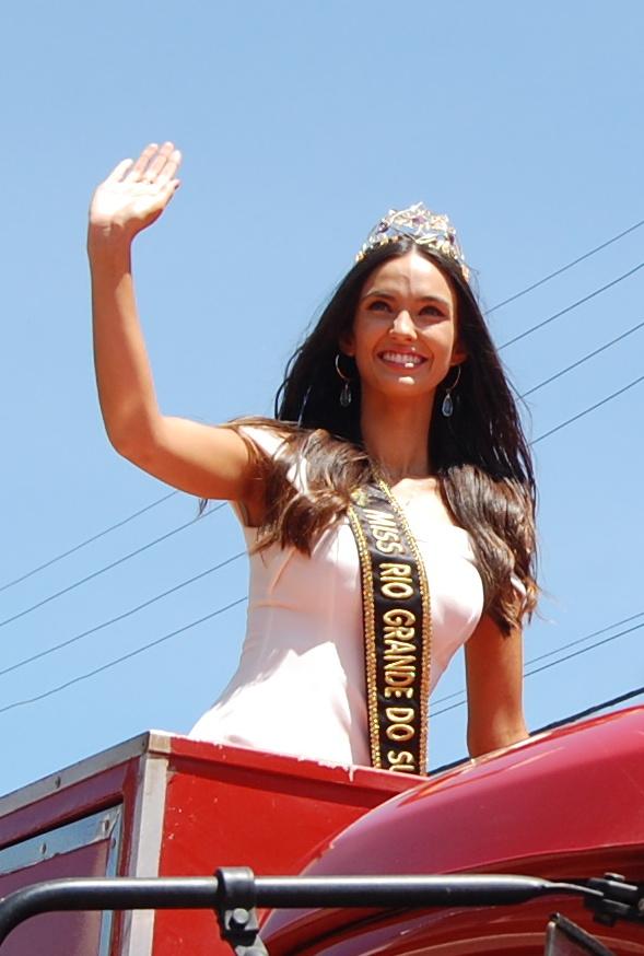 bianca scheren, miss charm brazil 2020. - Página 6 Dsc_0117