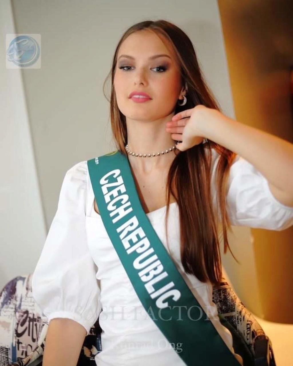 klara vavruskova, miss universe czech republic 2020. - Página 2 Fb_11010