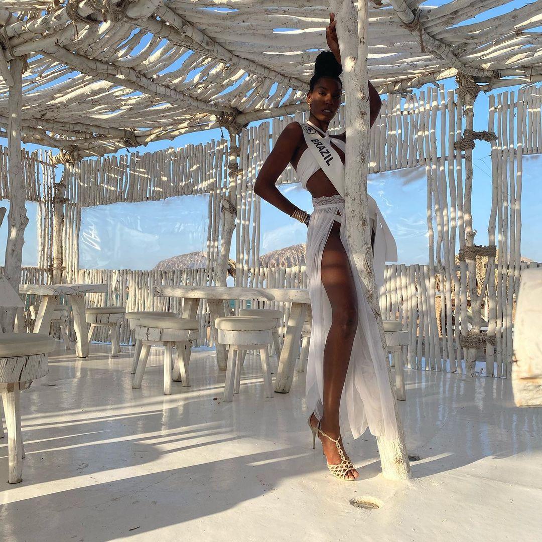 karina azevedo, top 15 de top model of the world 2021. - Página 3 Fdjflx10