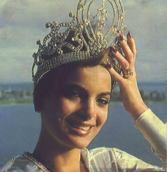 maritza sayalero, miss universe 1979. - Página 3 Ffbvh510
