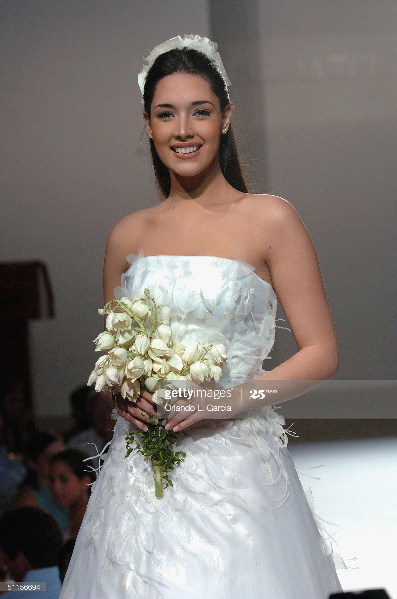 ════ ∘◦❁◦∘ ════ Amelia Vega, Miss Universe 2003. ════ ∘◦❁◦∘ ════ - Página 13 Former13