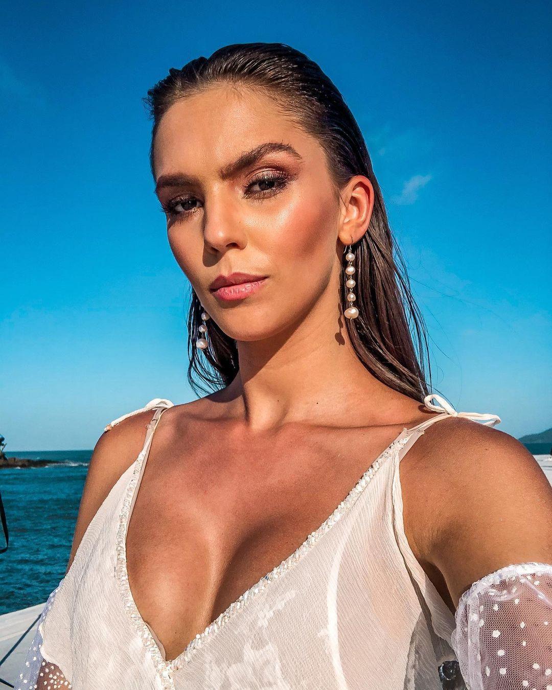 ana flavia giacomini, miss ilha dos lobos mundo 2019. - Página 2 Fvopkb10