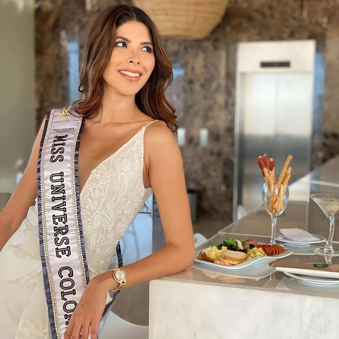 laura olascuaga, miss colombia universo 2020. - Página 8 Fxsjyv10