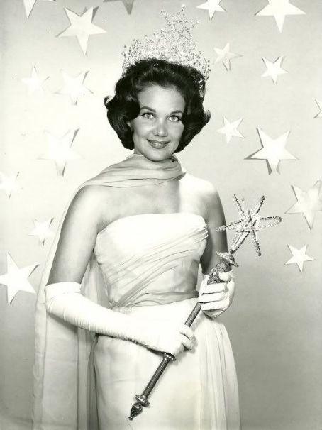 linda bement, miss universe 1960. † Hg90yw10