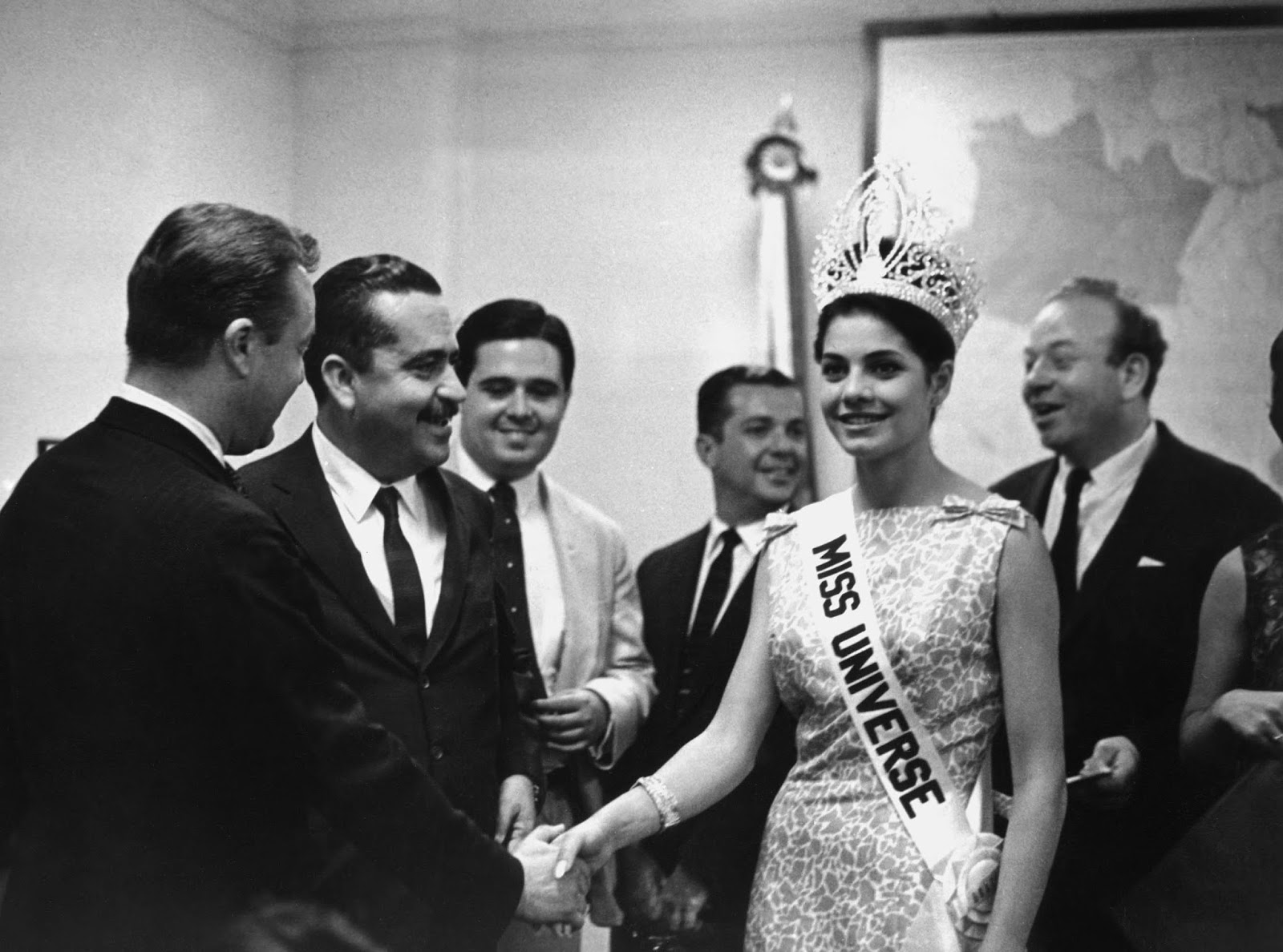 ieda maria vargas, miss universe 1963. - Página 2 Iedama11