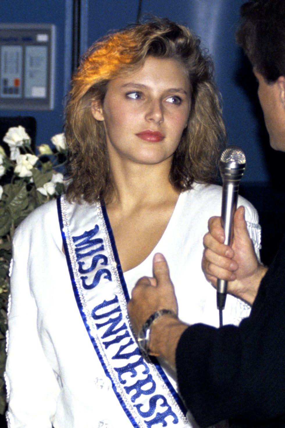 mona grudt, miss universe 1990. Img_mo10