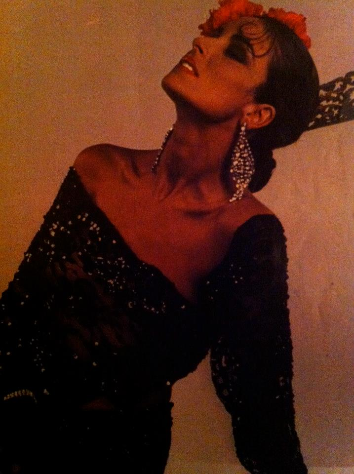 amparo munoz, miss universe 1974. † - Página 4 Ircq8i10