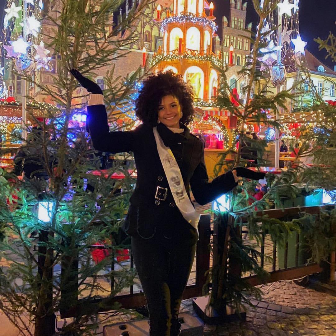 barbara reis, top 6 de miss supranational 2018. - Página 11 Iruz9y10