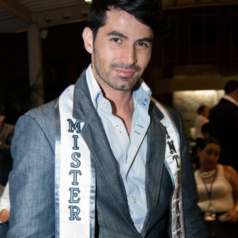 jose anmer paredes, mr international 2013. - Página 2 Jose-a22