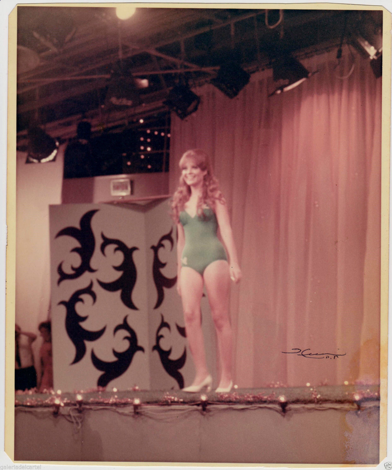 marisol malaret, miss universe 1970. - Página 4 Jqznlf10