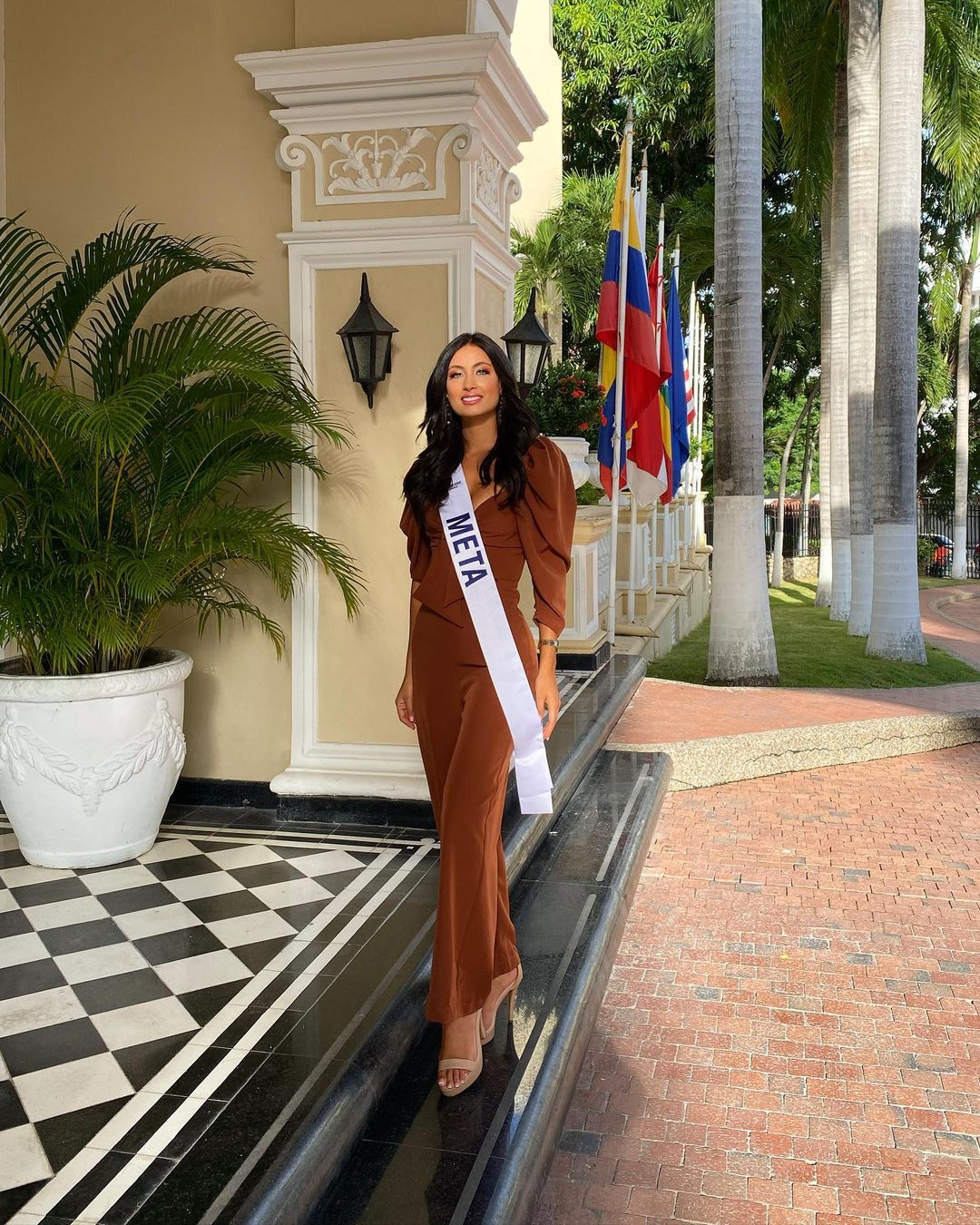 juliana franco, top 16 de miss colombia universo 2020/miss earth water 2017. - Página 21 Julifr24