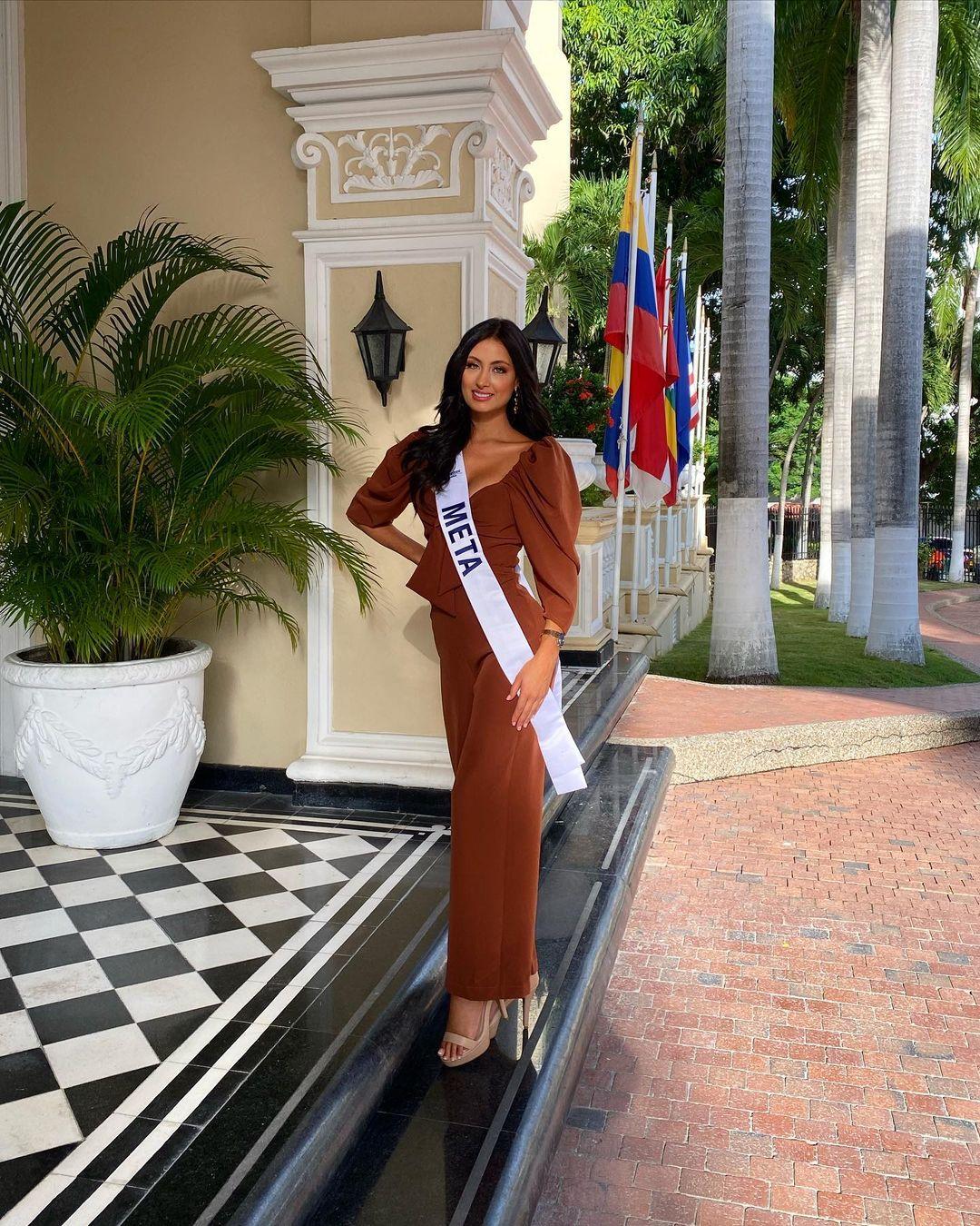juliana franco, top 16 de miss colombia universo 2020/miss earth water 2017. - Página 21 Julifr25