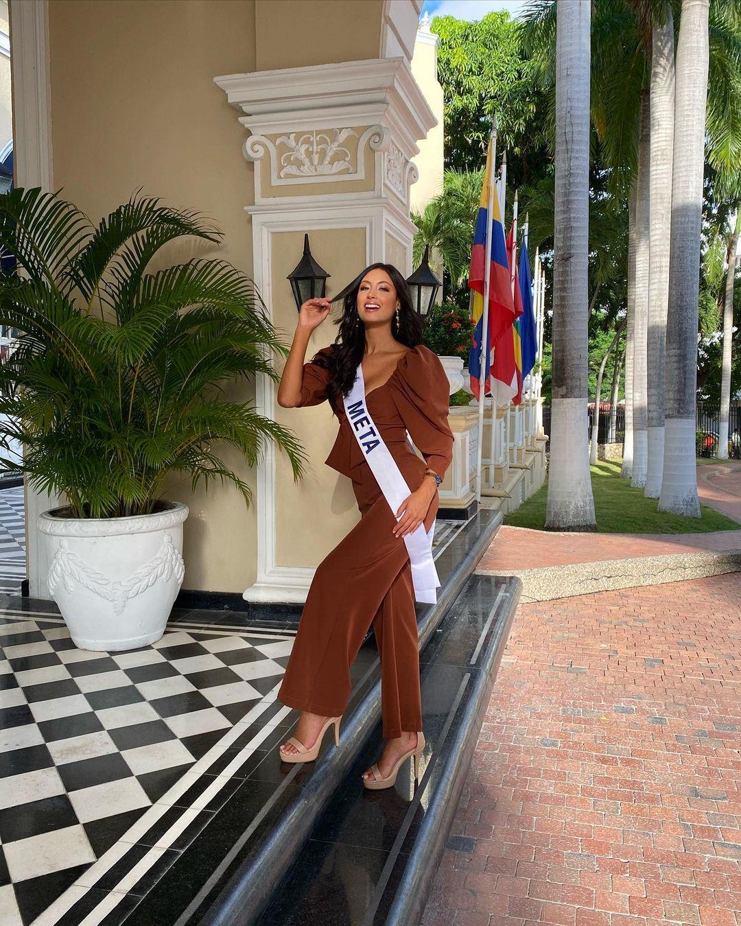 juliana franco, top 16 de miss colombia universo 2020/miss earth water 2017. - Página 21 Julifr26
