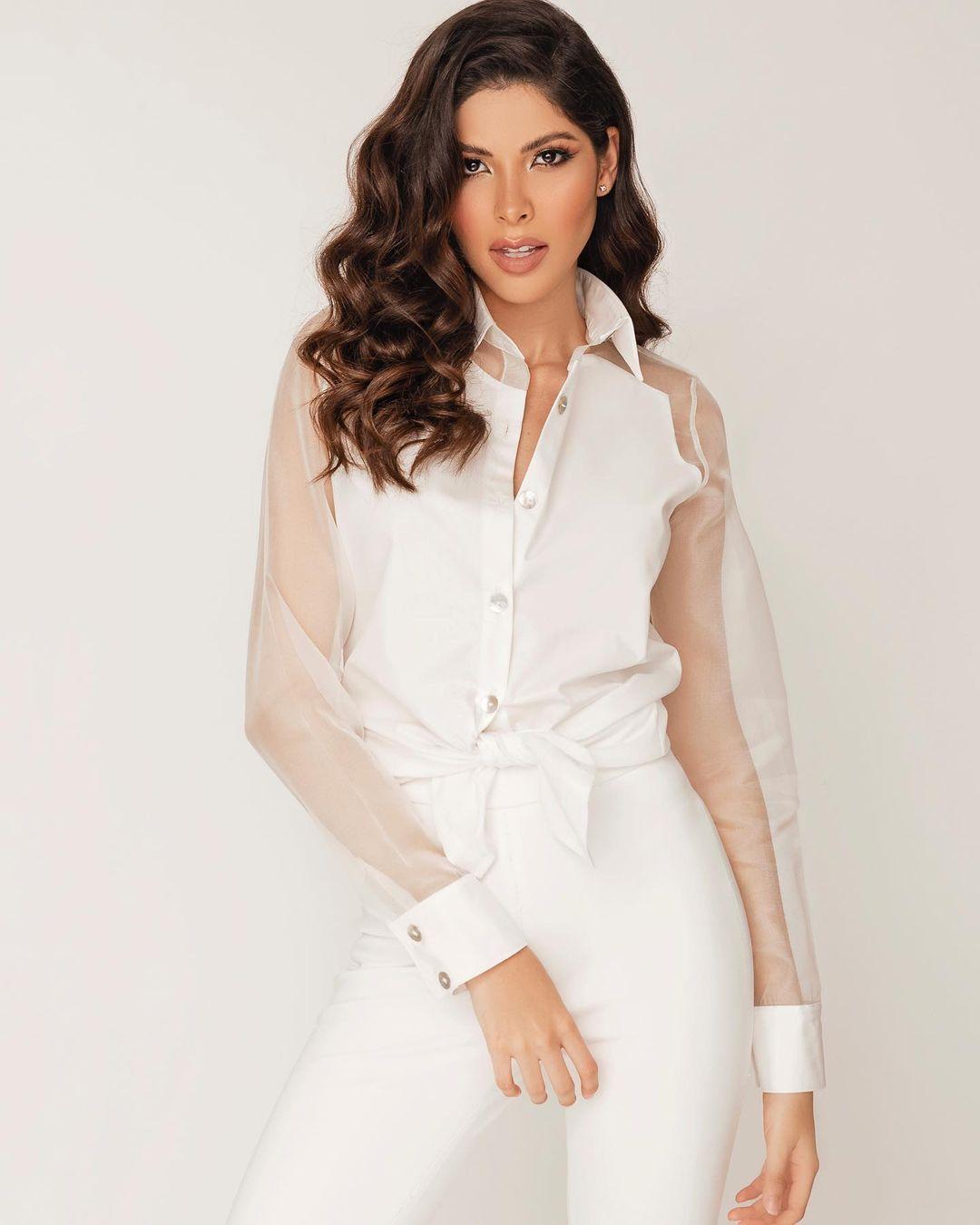laura olascuaga, top 21 de miss universe 2020. - Página 2 Laurao26