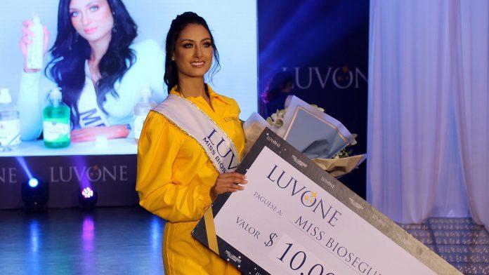 juliana franco, top 16 de miss colombia universo 2020/miss earth water 2017. - Página 22 Miss-610