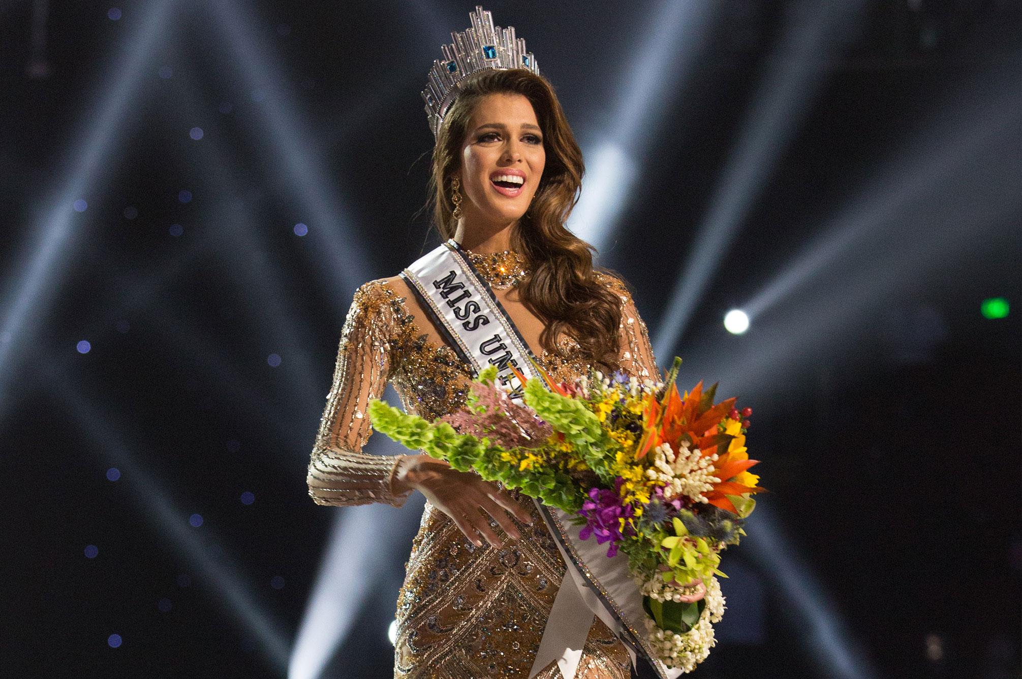 iris mittenaere, miss universe 2016. - Página 4 Miss-f10