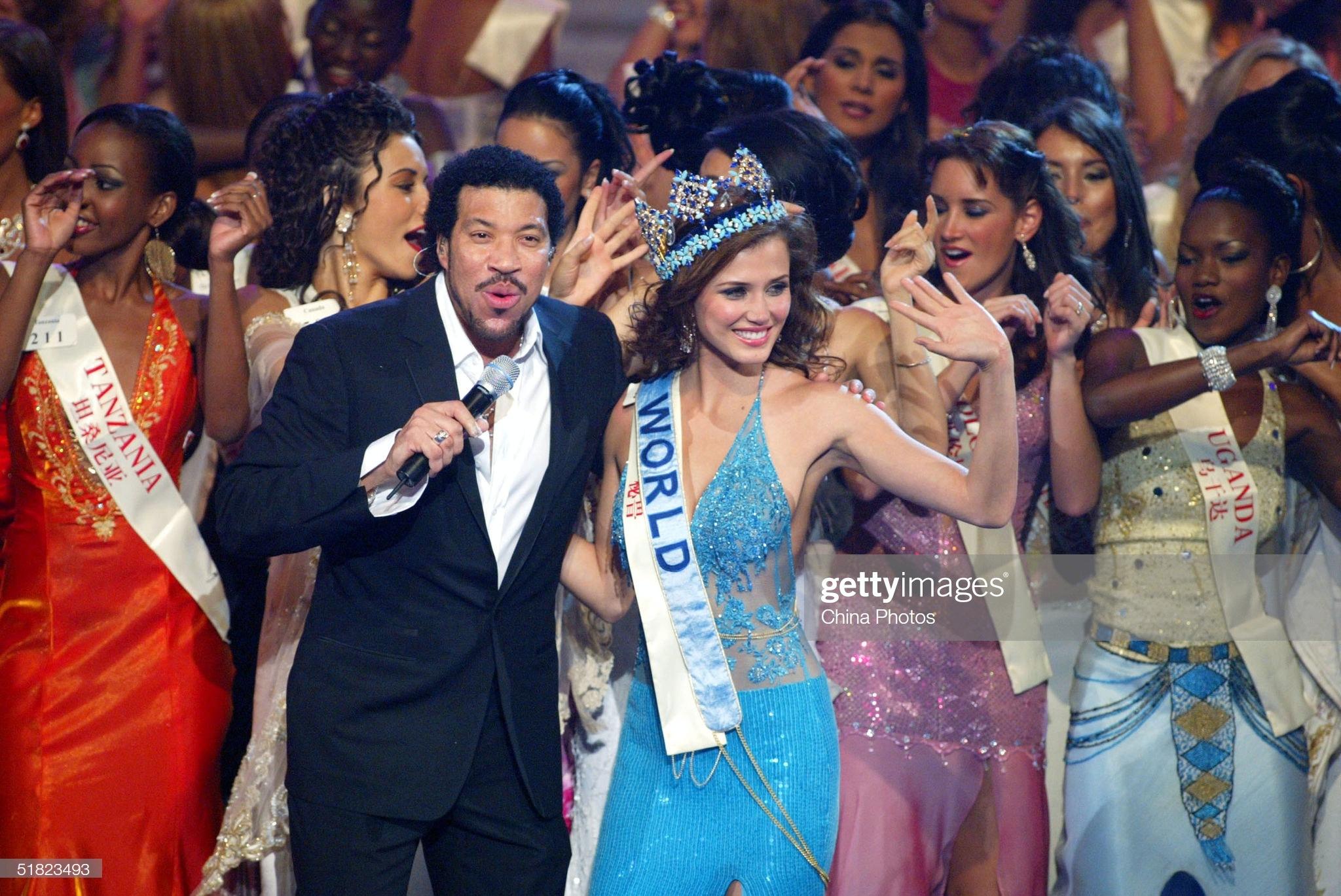 maria julia mantilla garcia (aka maju mantilla), miss world 2004. - Página 11 Miss-p14