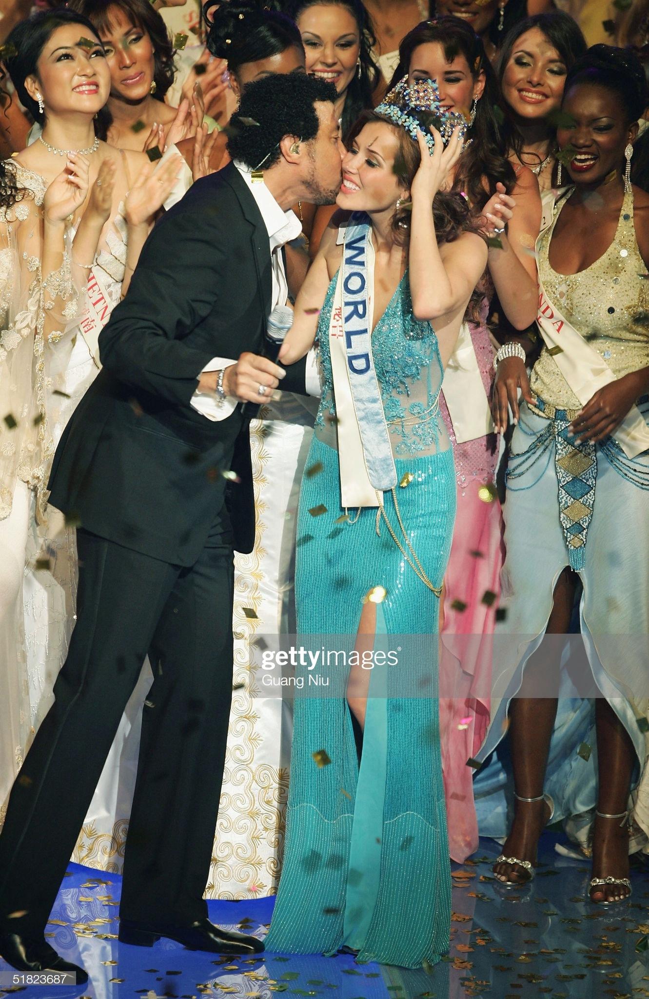 maria julia mantilla garcia (aka maju mantilla), miss world 2004. - Página 11 Miss-p15