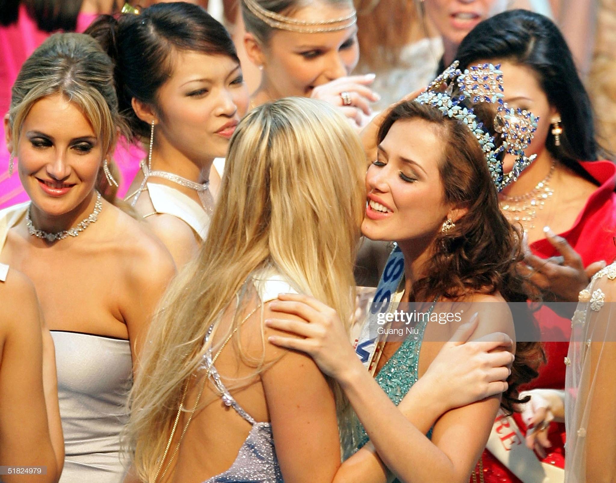 maria julia mantilla garcia (aka maju mantilla), miss world 2004. - Página 11 Miss-p16