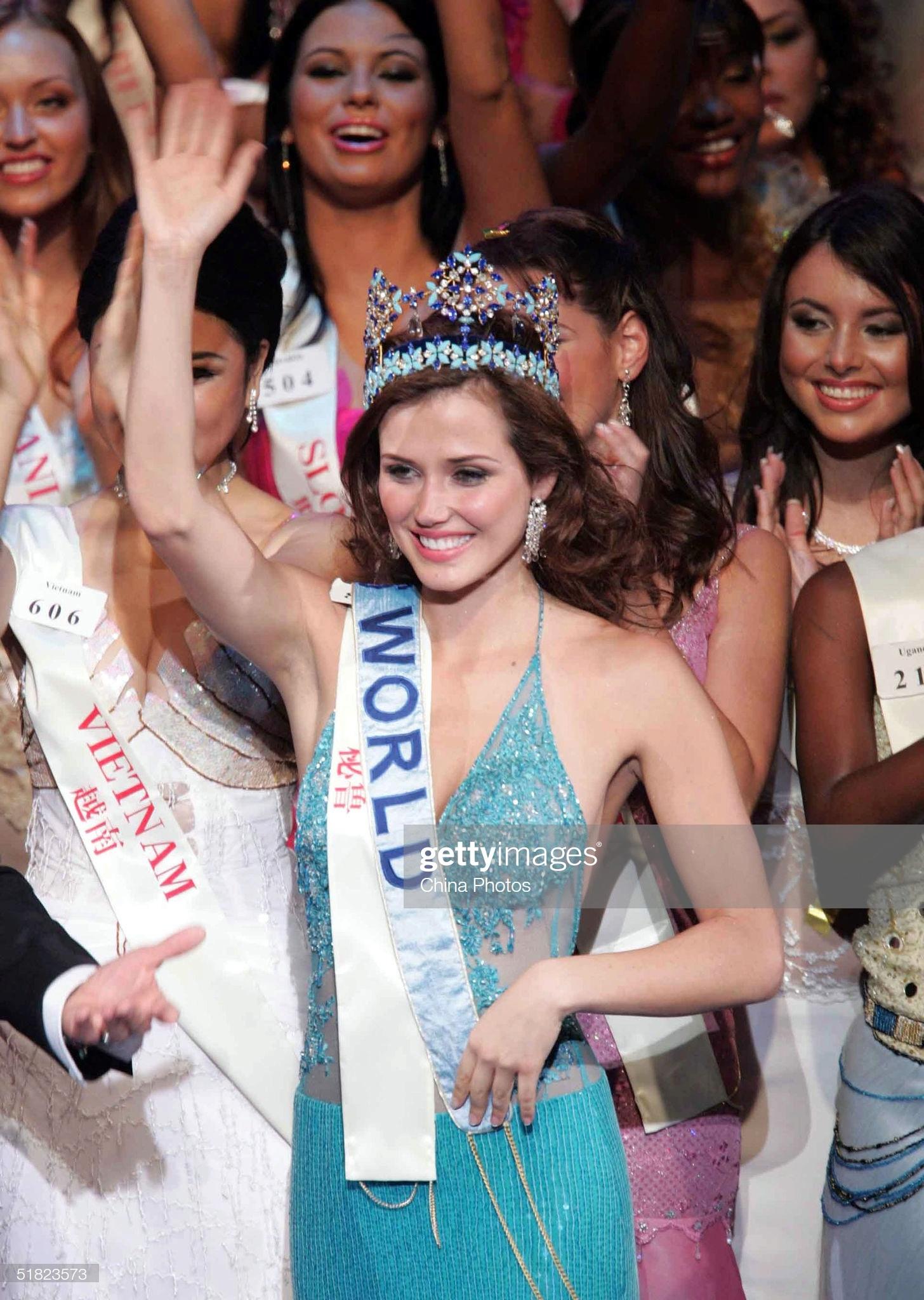maria julia mantilla garcia (aka maju mantilla), miss world 2004. - Página 12 Miss-p19