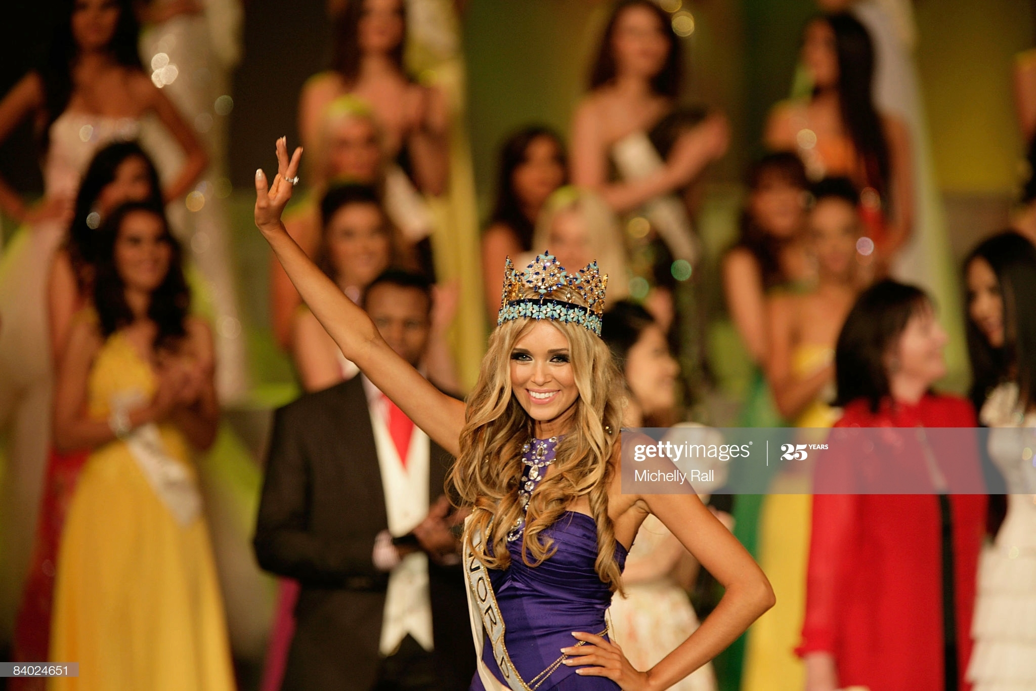 ksenia sukhinova, miss world 2008. - Página 7 Miss-r14