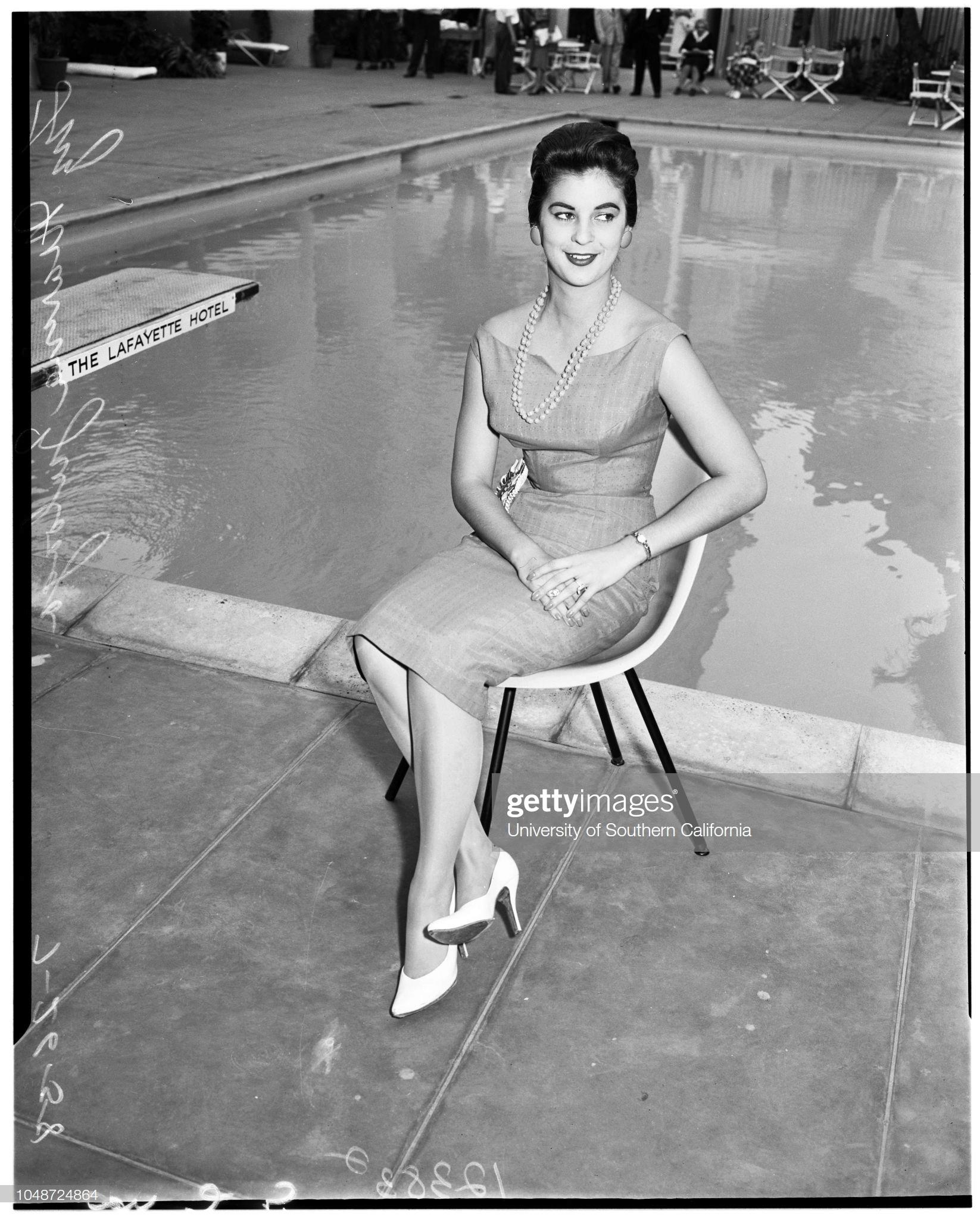 luz marina zuluaga, miss universe 1958. † - Página 5 Miss-u16