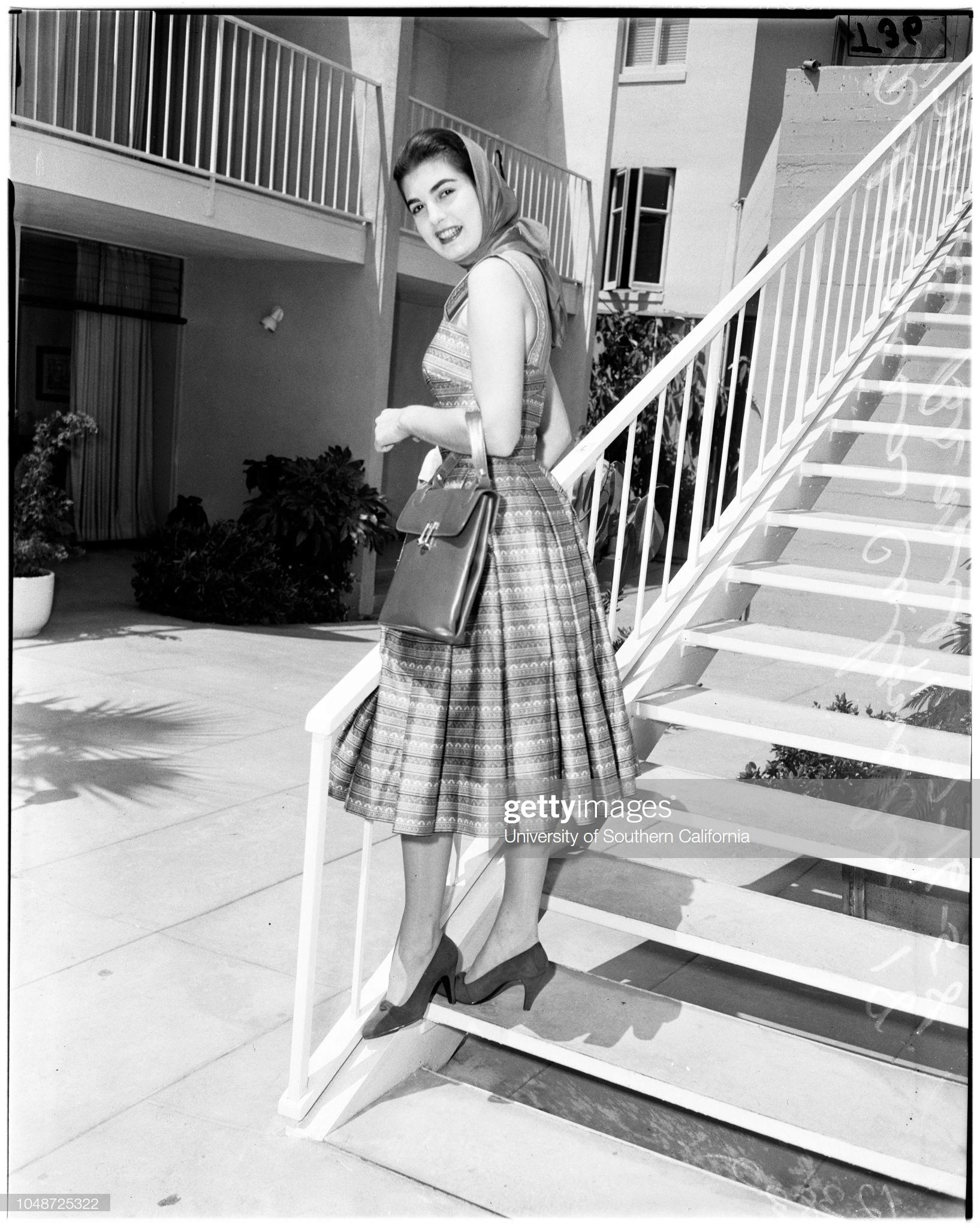 luz marina zuluaga, miss universe 1958. † - Página 5 Miss-u17