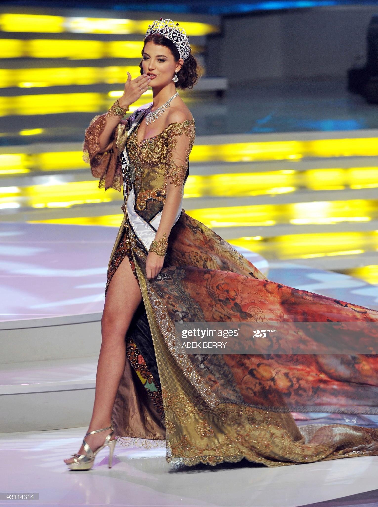 stefania fernandez, miss universe 2009. - Página 38 Miss-u41
