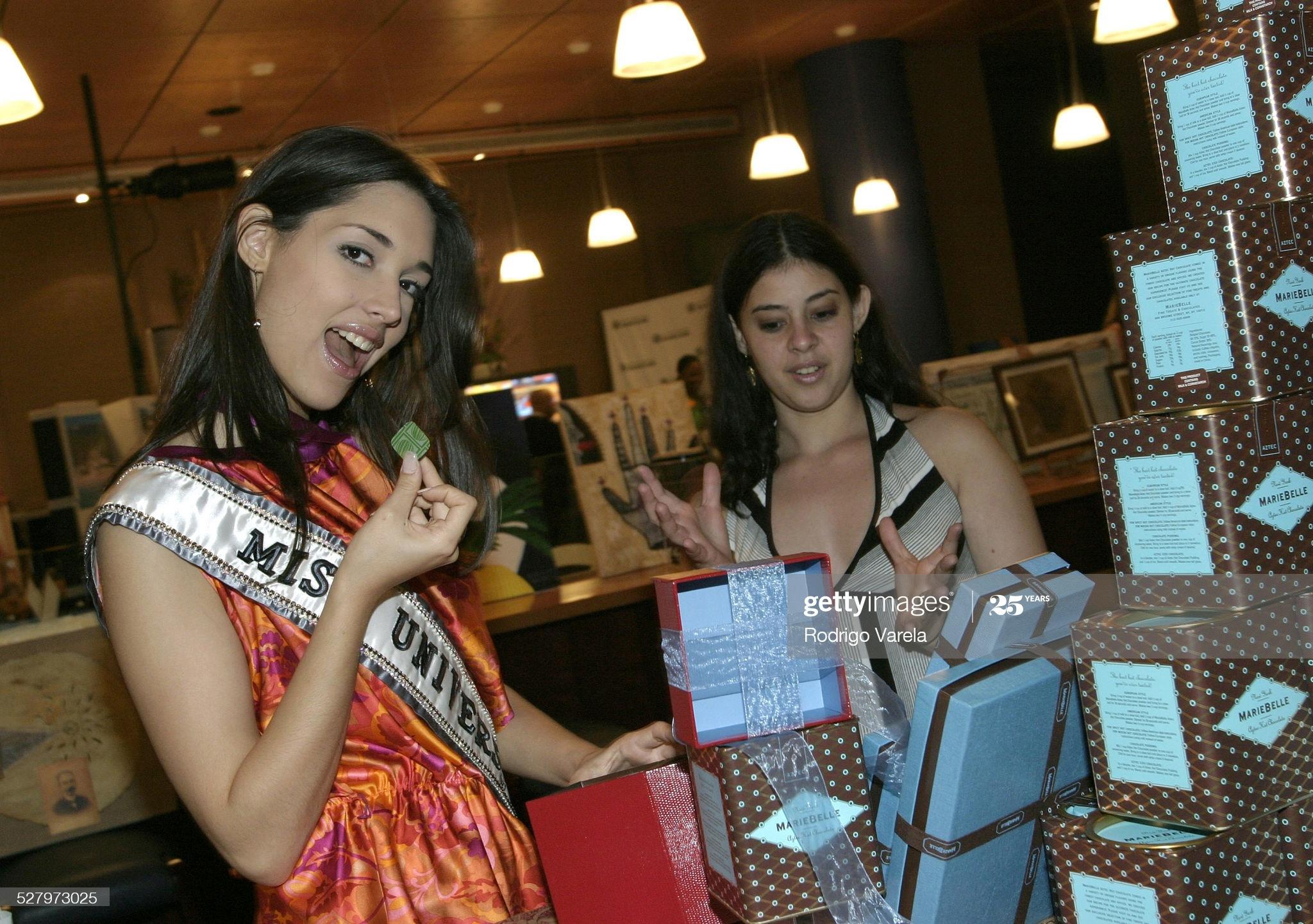 ════ ∘◦❁◦∘ ════ Amelia Vega, Miss Universe 2003. ════ ∘◦❁◦∘ ════ - Página 12 Miss-u51