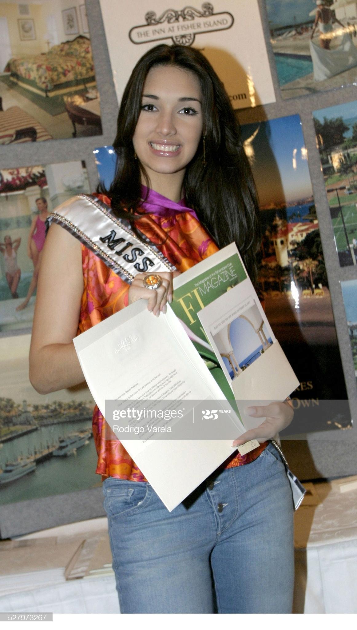 ════ ∘◦❁◦∘ ════ Amelia Vega, Miss Universe 2003. ════ ∘◦❁◦∘ ════ - Página 12 Miss-u56