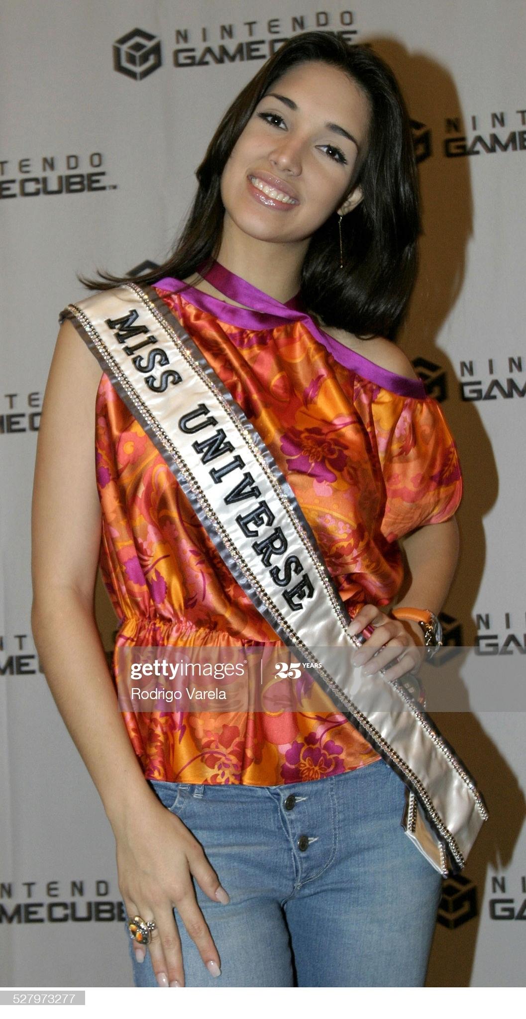════ ∘◦❁◦∘ ════ Amelia Vega, Miss Universe 2003. ════ ∘◦❁◦∘ ════ - Página 12 Miss-u59