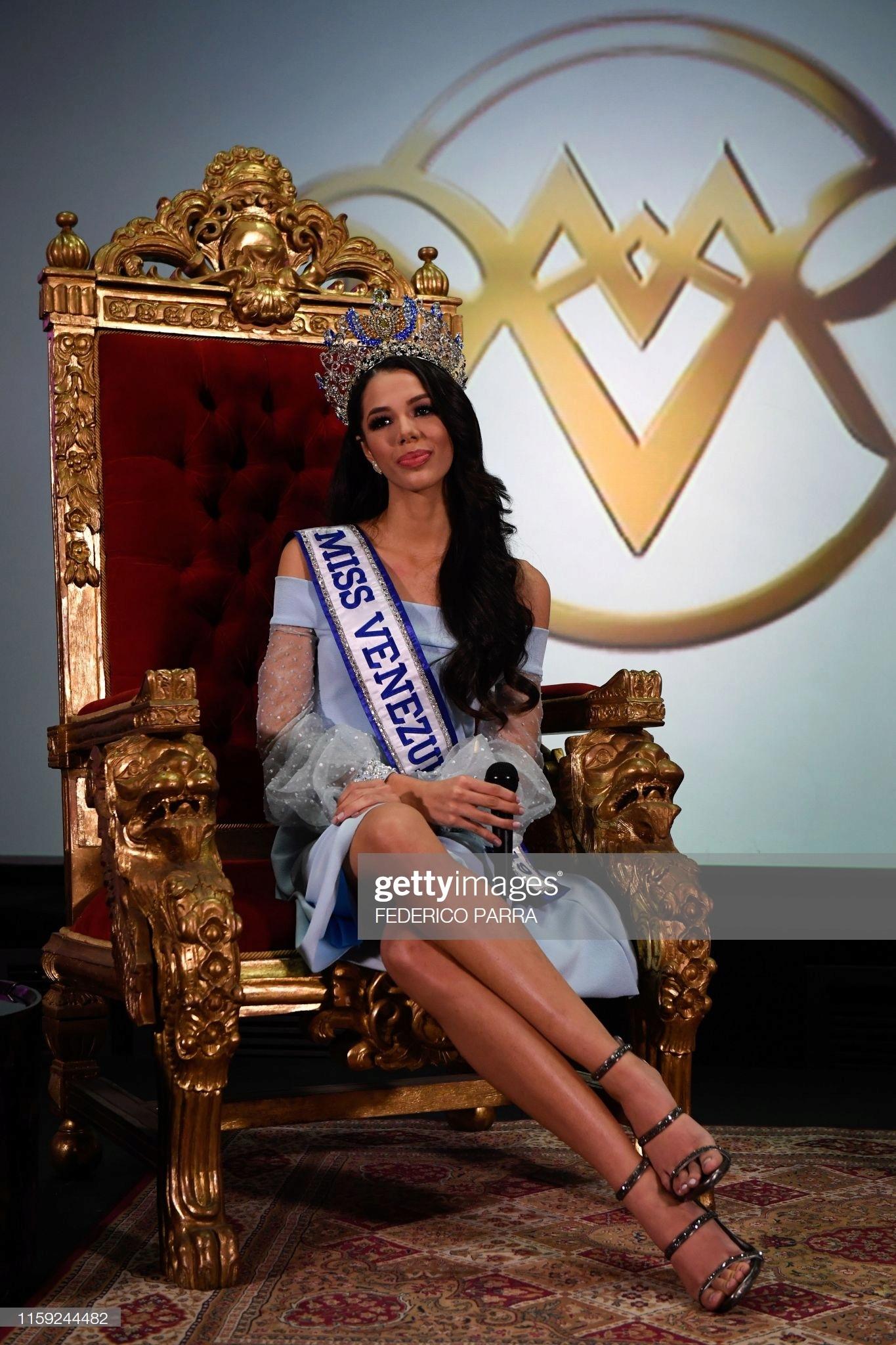 thalia olvino, top 20 de miss universe 2019. - Página 15 Miss-v11