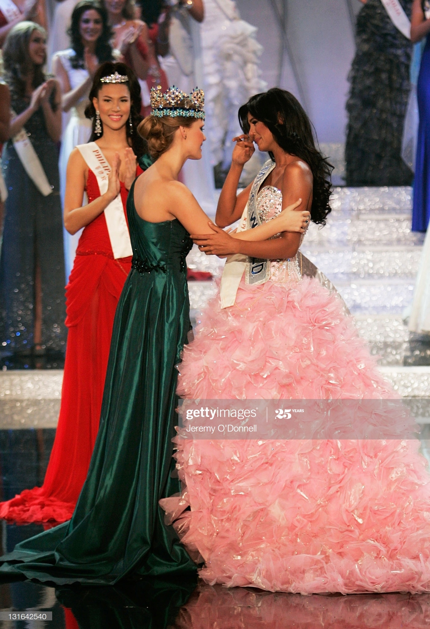alexandria mills, miss world 2010. - Página 8 Miss-v20