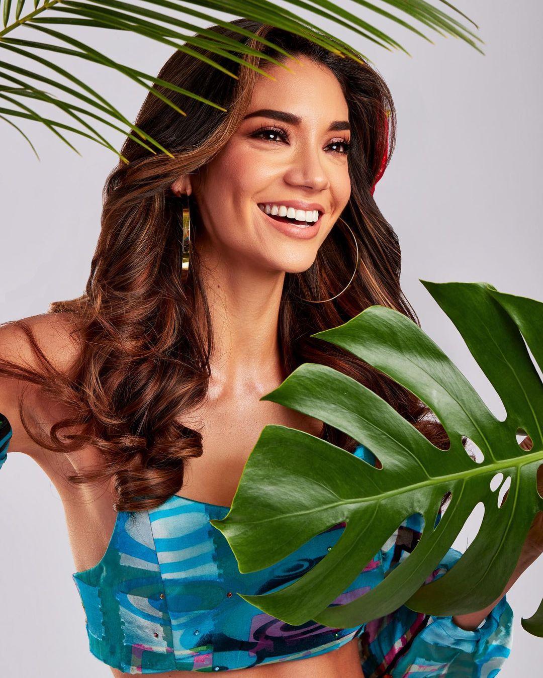 maricielo gamarra, top 21 de miss grand international 2020. - Página 2 Misspe13