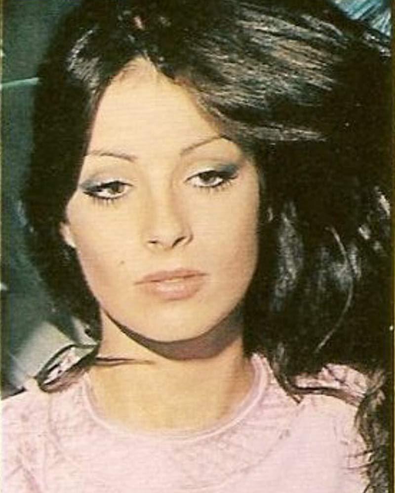amparo munoz, miss universe 1974. † - Página 4 Mv5bym10