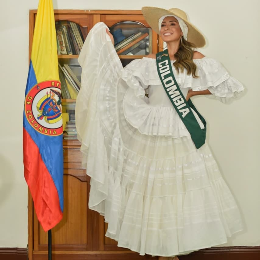 natalia romero, miss earth colombia 2020. Natyro18