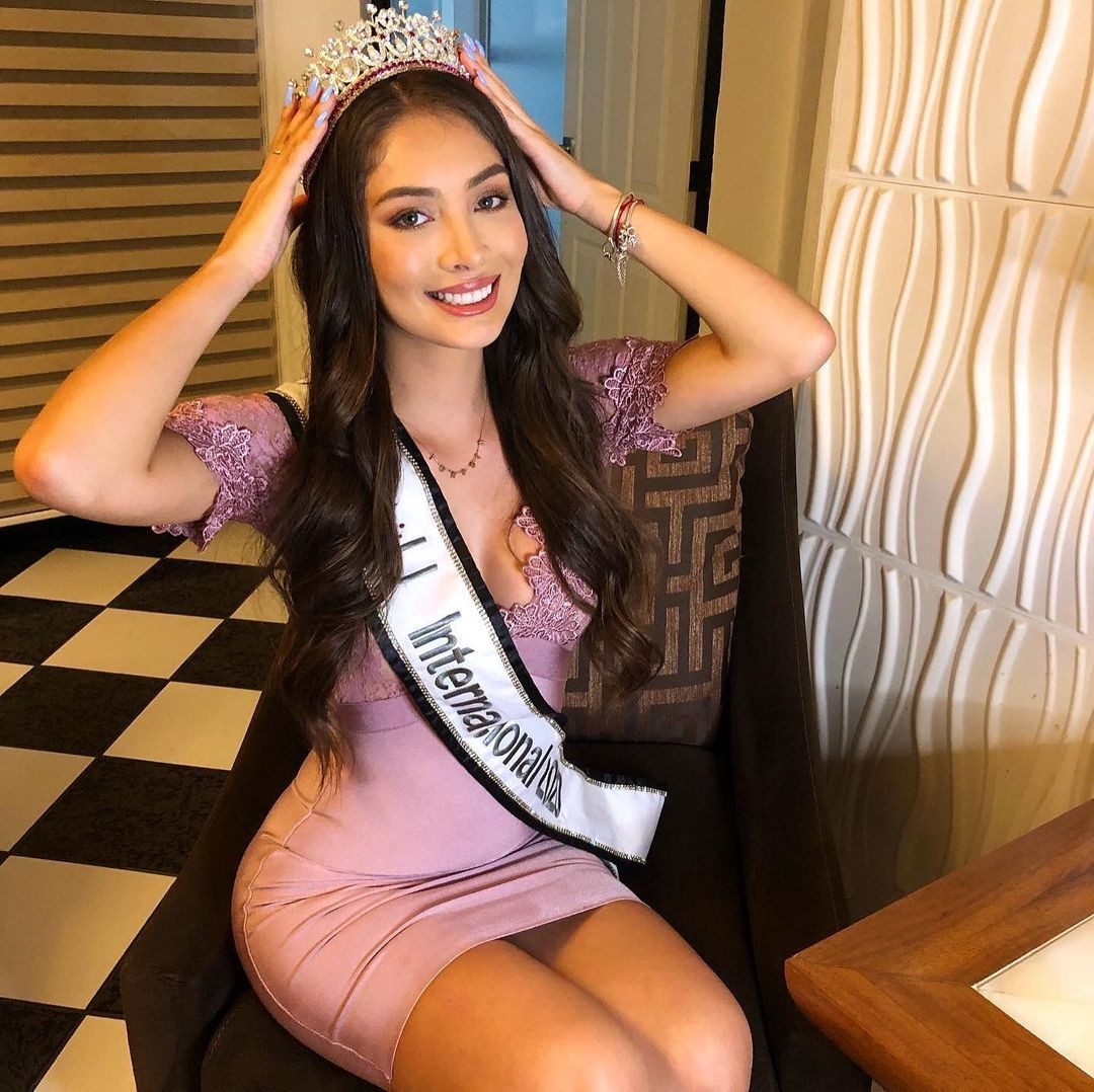 yuridia duran, miss mexico internacional 2020. - Página 3 Qjjg0n10