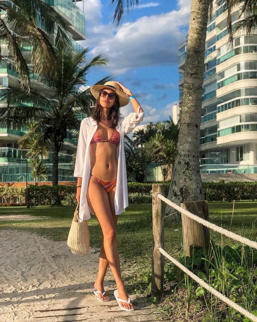 rafaella felipe, top 20 de miss brasil mundo 2019. - Página 2 Qlqj3b10