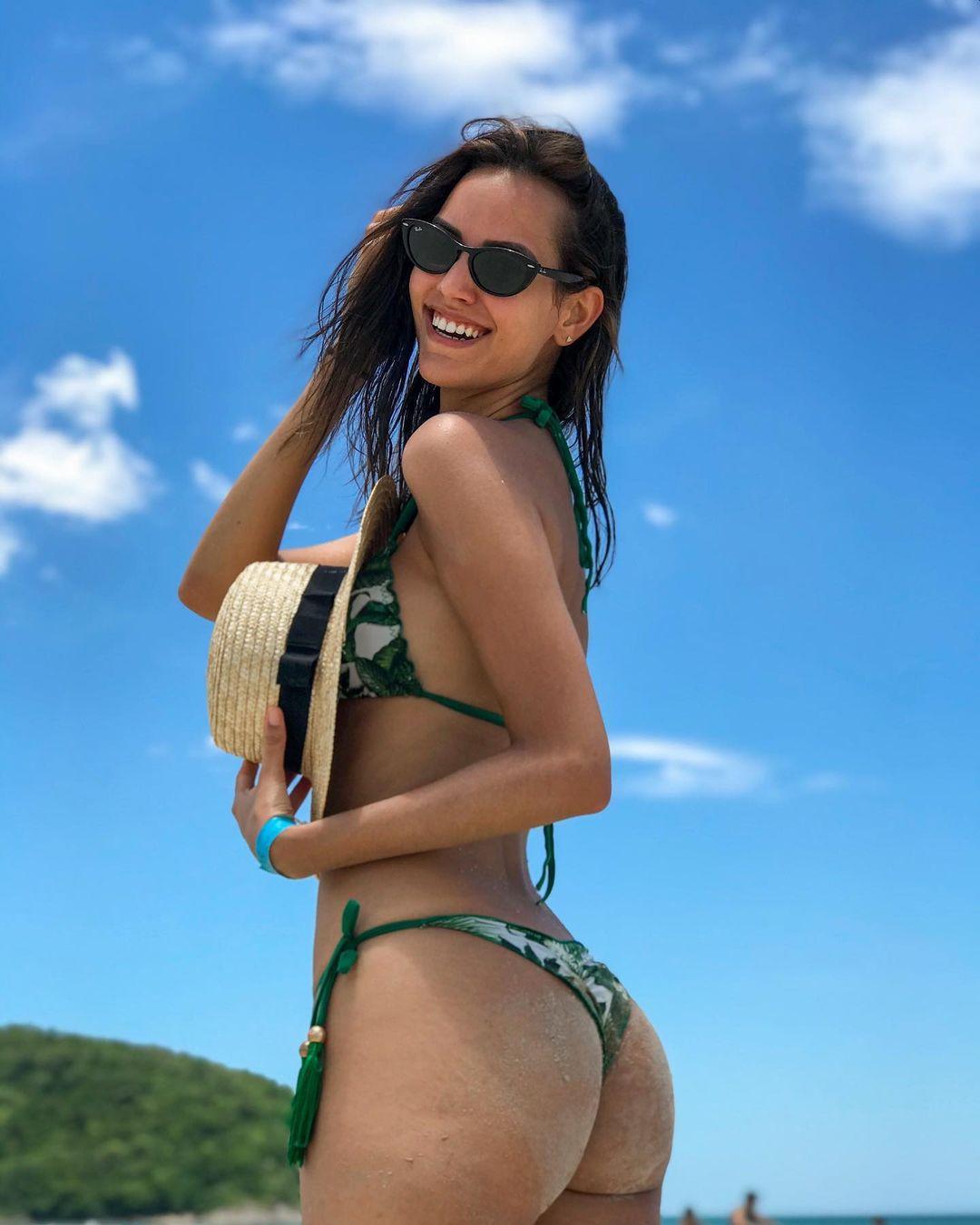 rafaella felipe, top 20 de miss brasil mundo 2019. - Página 2 Qlqn8x10