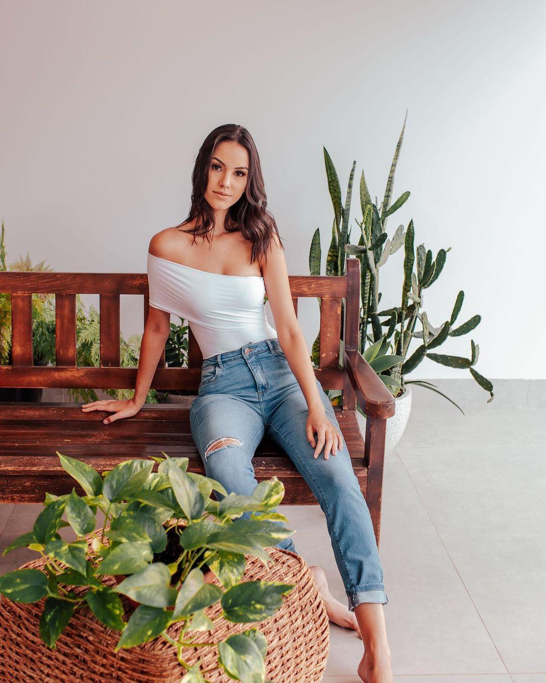 rafaella felipe, top 20 de miss brasil mundo 2019. - Página 3 Qtd3nj10